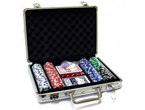 Покерный набор на 200 фишек с номиналом