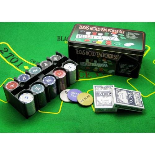 Покерный набор на 200 фишек с игровым полем